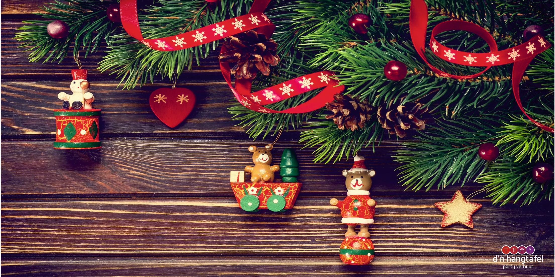 Bouwhek met kerst thema doek (kerstboom met diertjes)