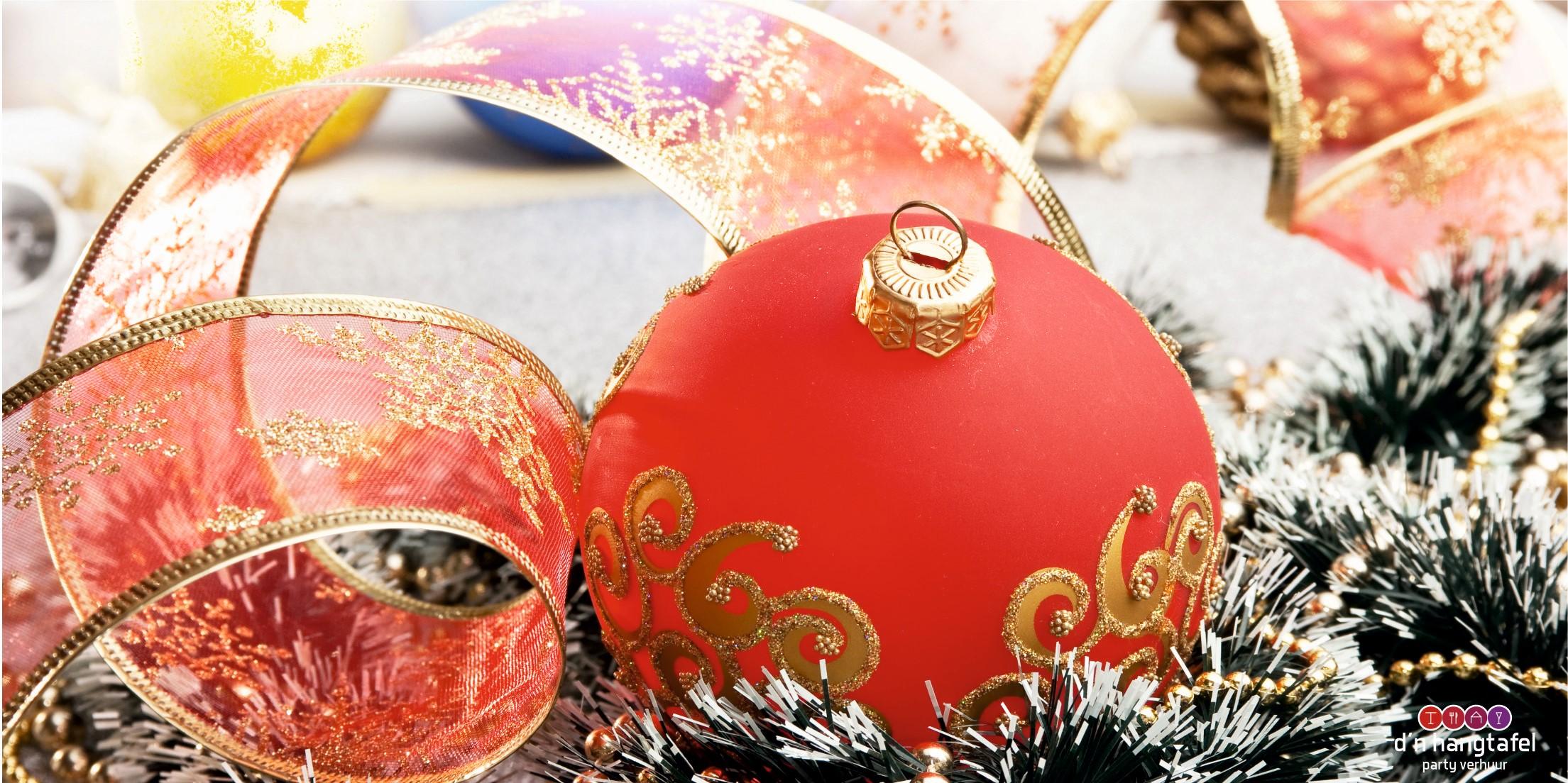 Bouwhek met kerst thema doek (kerstbal met slingers)